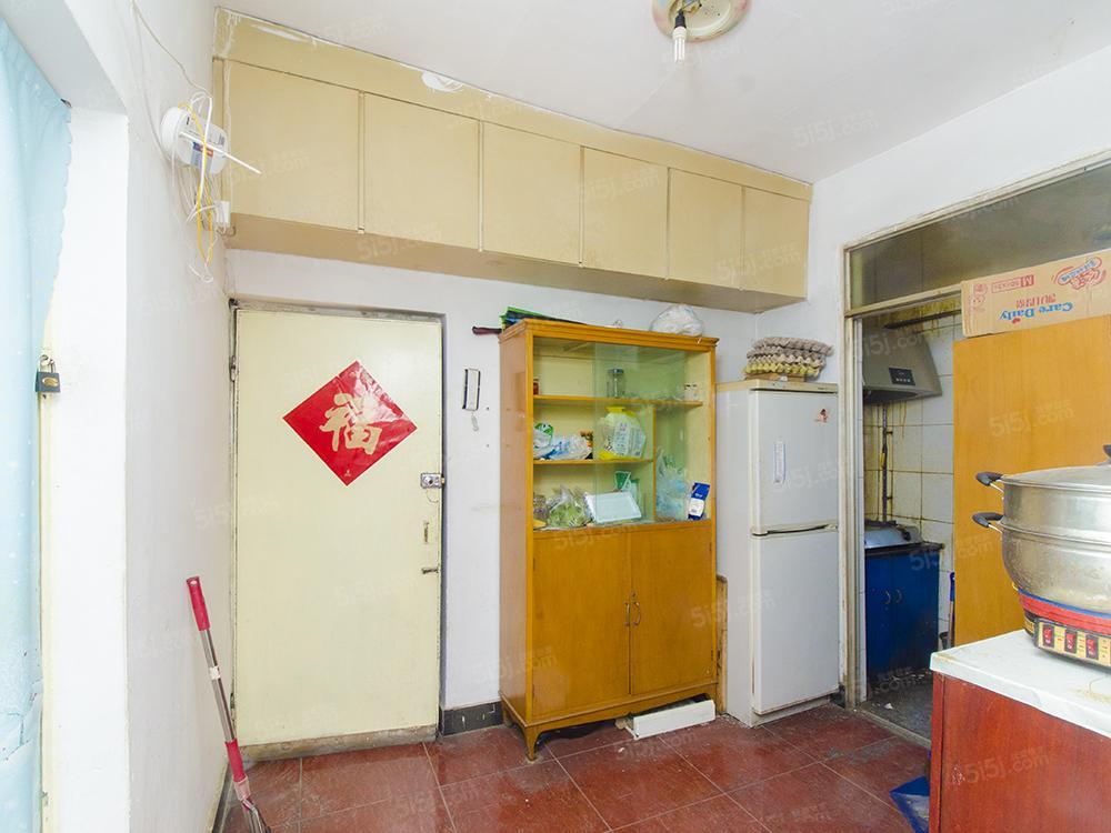 板楼南北田字格三居室 单位分房无浪费小区院内有管理