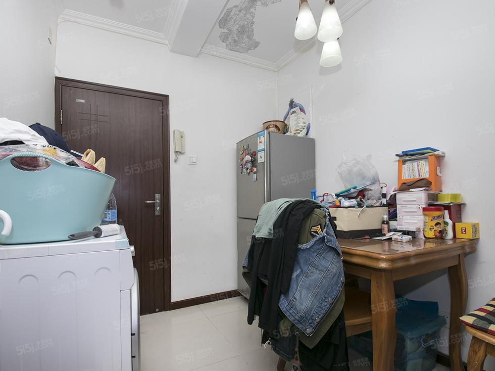 南礼士路 双朝南两居室 82年满五年公房