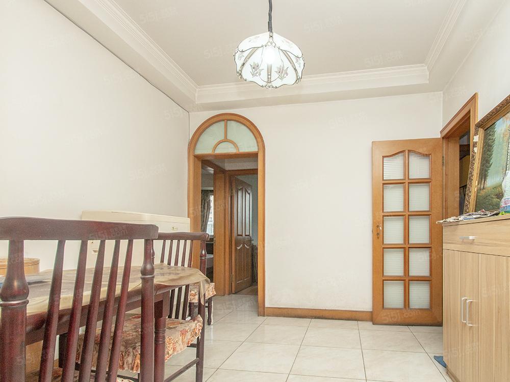 枣营北里 南北三居室 社区中间 满五年诚意出售