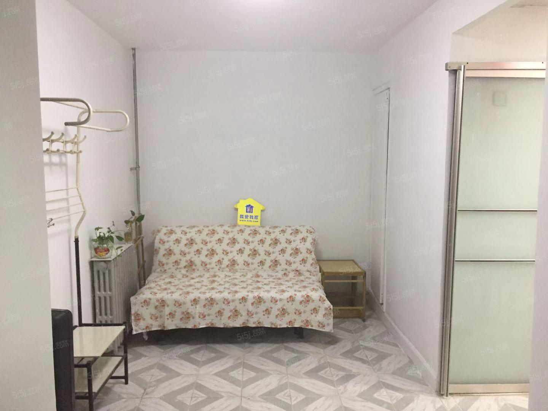 方庄芳城园业主直租精装两居室