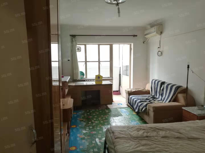 芳园里两室一厅,临近颐堤港,兆维对面,看房随时
