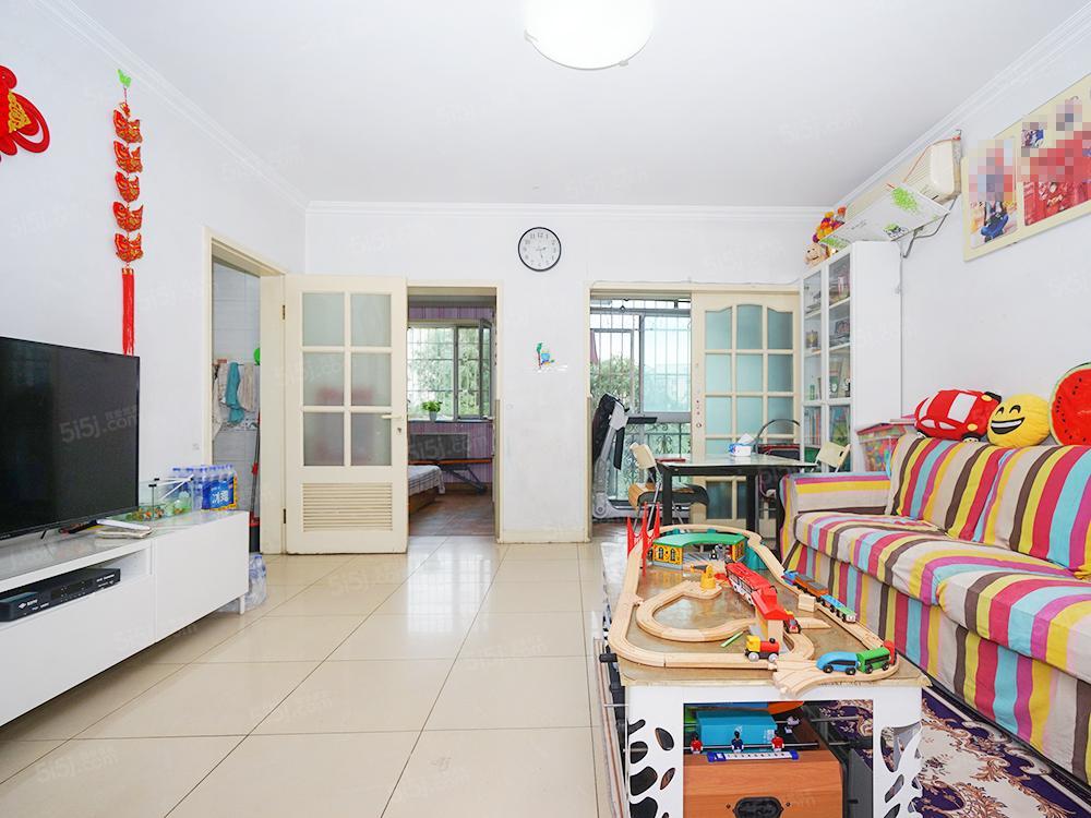天通苑本四区 两居室 精装自住 板楼三层商品房