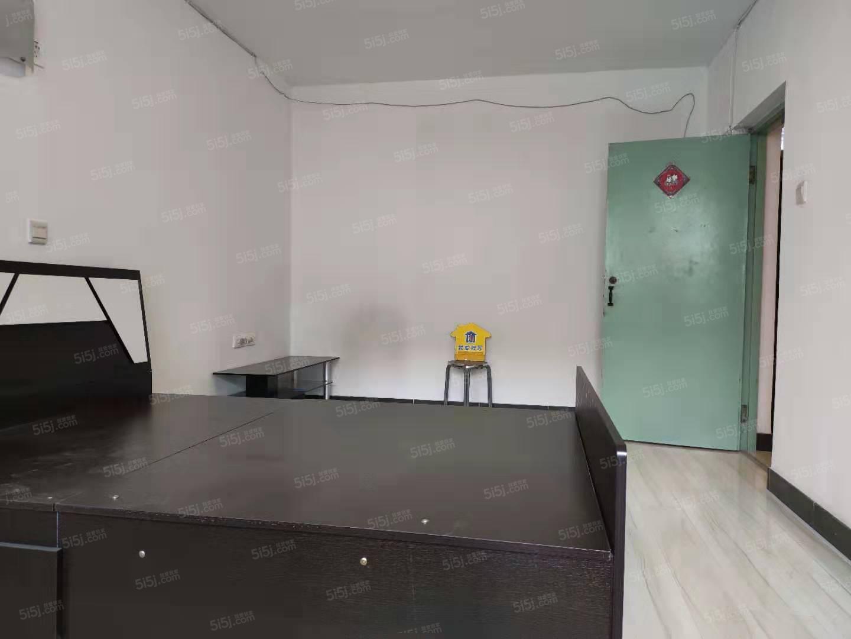 百万庄大街13号院黄金楼层一居室精装修采光无遮挡领包入住