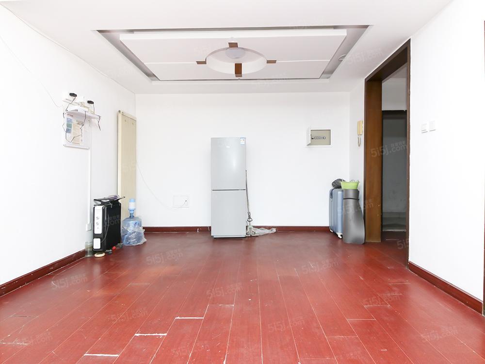 万达商圈 北苑地铁旁 正规三居室 满五一套 必看好房