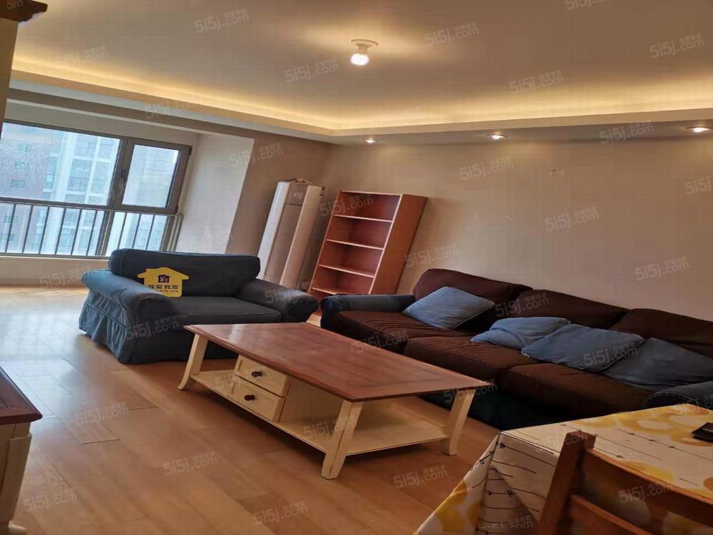 长阳半岛,云湾家园,南向两居室,有家具家电。