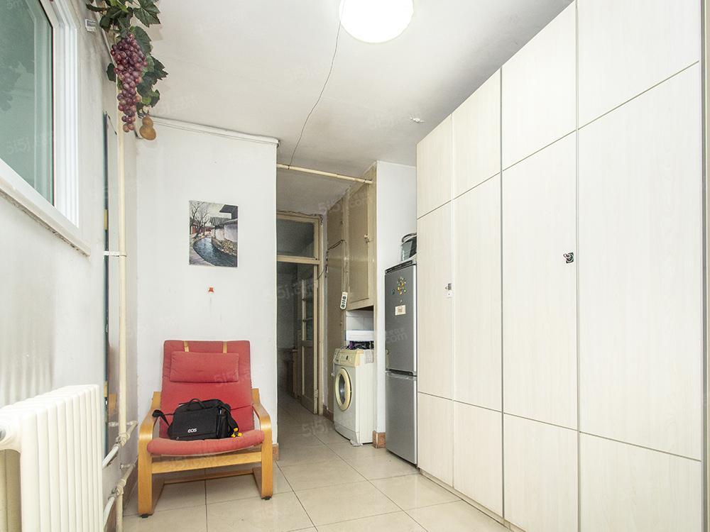 金台路地铁站 南北通透两居室 低楼层 满五年