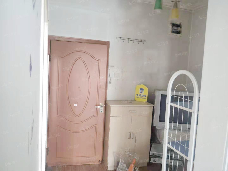 6号线 高井电厂小区 两居室 家具家电齐全 交通便利