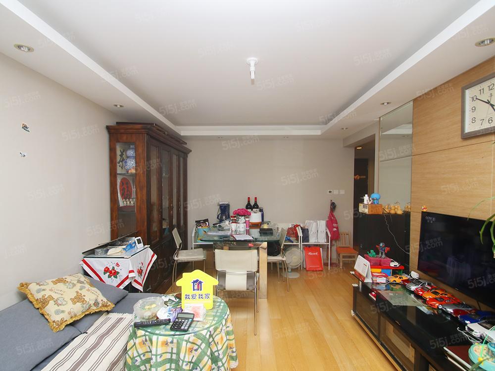 长阳半岛,云湾家园,南向两居室,家具家电齐全。