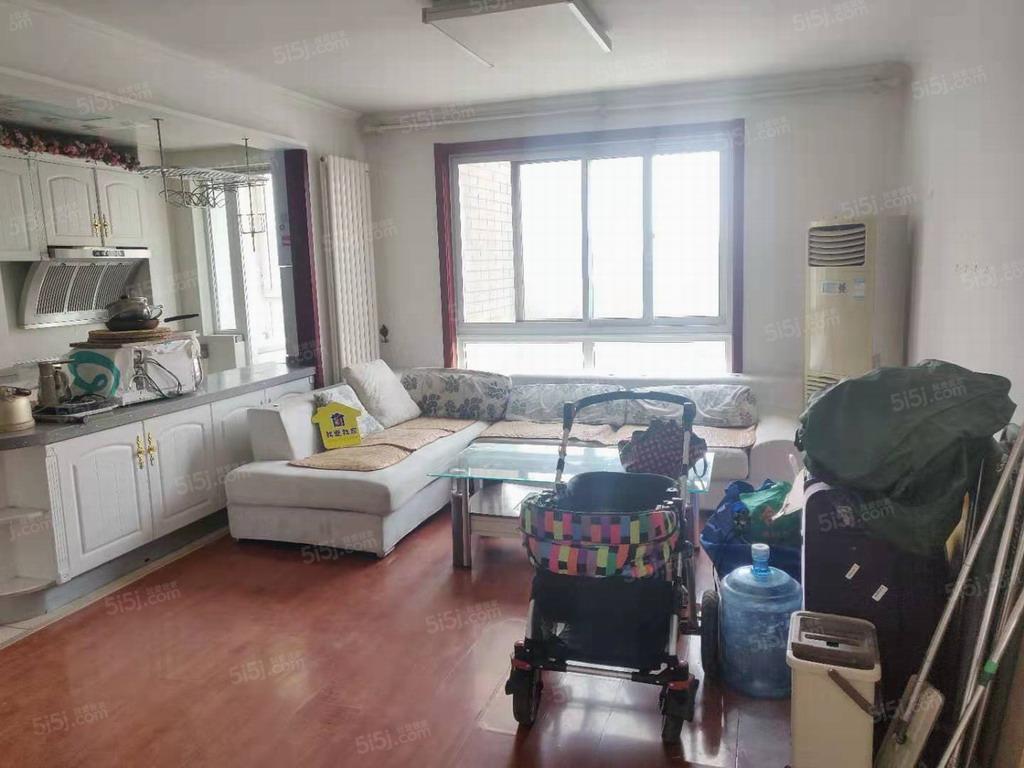 房山阎村乐活城北区两居室出租。