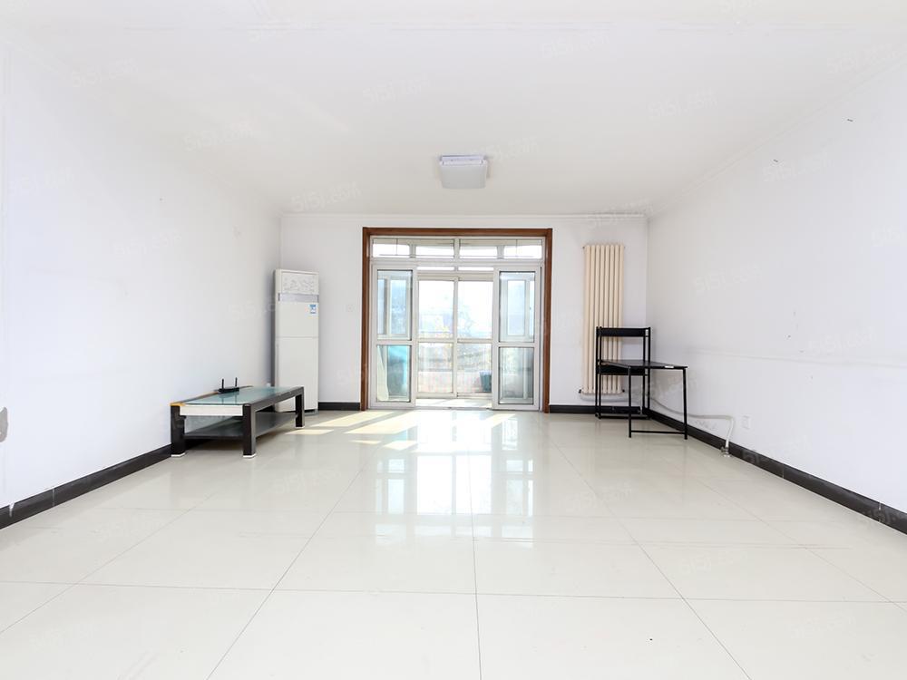 超大客厅面宽4.6米,梨园地铁站 南北通透大三居 满五年