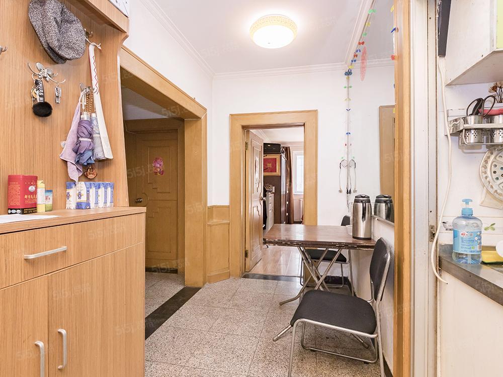 电梯楼 双向阳两居 卫生部小区2号楼
