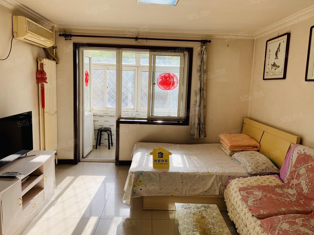 整租,南站附近,洋桥北里中楼层,精装两居室