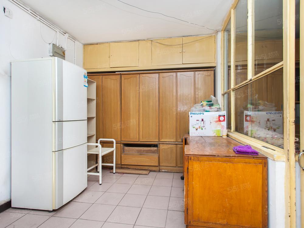 工体南路西 东西三居室满五一套房 有钥匙 业主诚心卖