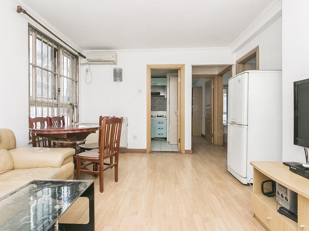 二环内商品房 两居室 交通便利 两梯三户