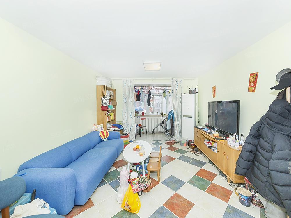 南十里居 南北通透大两居室 满五年 中间楼层诚售