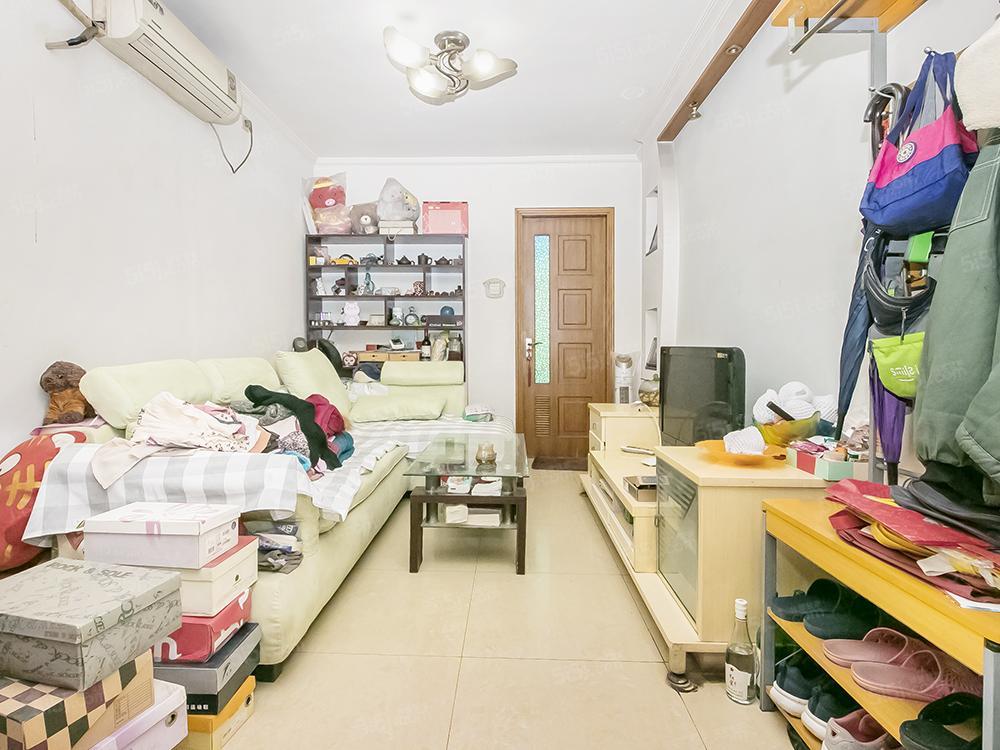本家润园三期 全南向两居 中间楼层 采光好无遮挡 看房方便