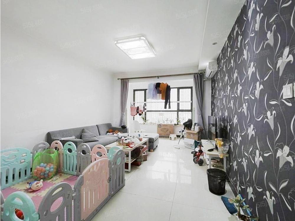 华业东方玫瑰西南大两居室 户型方正,采光棒!