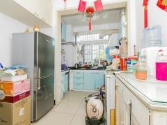 北京我爱我家新上全南向两居室,中间层,单独小院管理,看房方便。