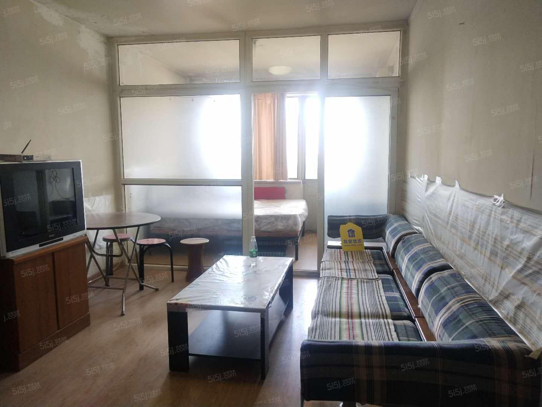 六号线 金顶街青年公寓南向一居室 看房随时有钥匙 随时入住