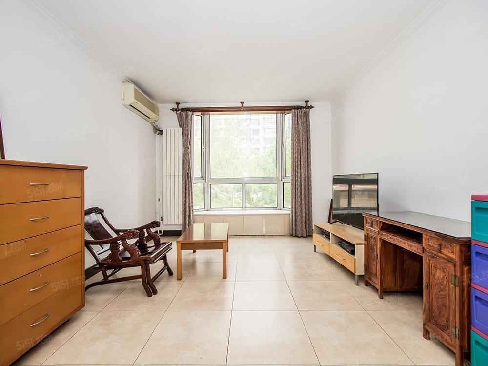 太阳宫地铁10号线 和泰园 南北两居室 诚意出售