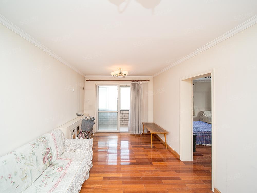 丽泽丰益,77.52米东南高楼层两居室,满五年,随时看房!