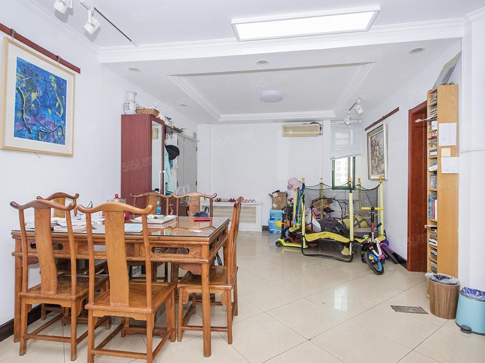 北三环中路马甸桥东 华展国际公寓 南北通透四居室采光好