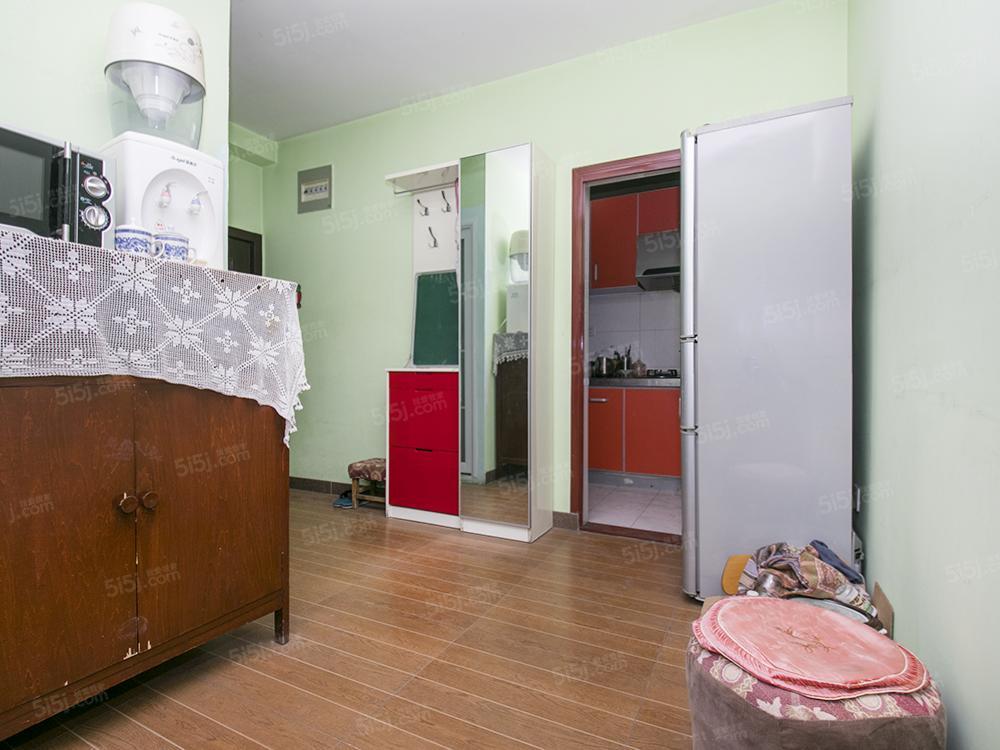 长椿街带电梯双南二居 宣武公园对面 可多贷款 有钥匙看房随时