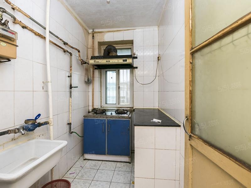 北京我爱我家古城北路南北通透两居室 近地铁 双卧朝南采光好第4张图