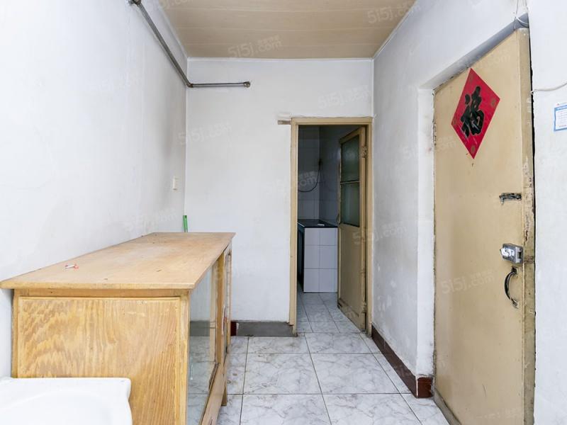 北京我爱我家古城北路南北通透两居室 近地铁 双卧朝南采光好第1张图