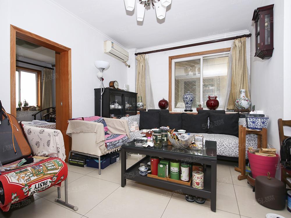 两居带客厅,高楼层,采光好,小区中间位置,
