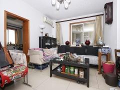 北京我爱我家两居带客厅,高楼层,采光好,小区中间位置,