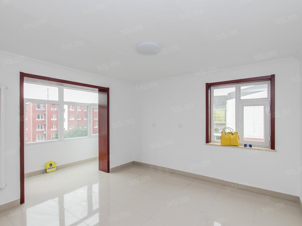 兴房大街12号院五层南向小两居室出售