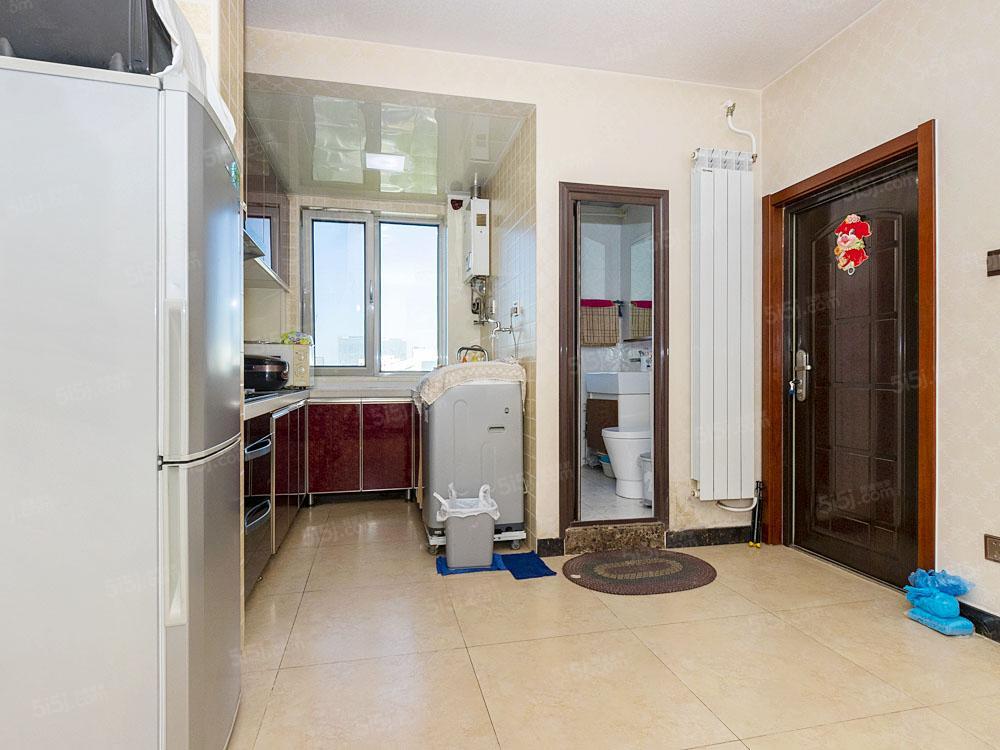 安华桥地铁口,电梯全明两居室,通透户型精装修
