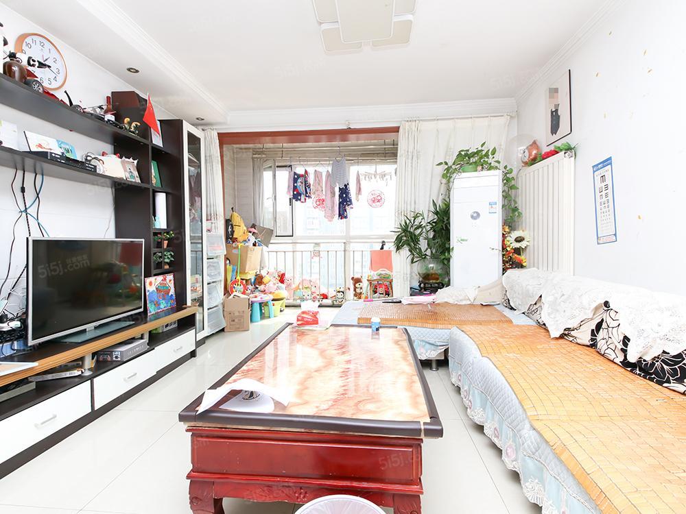世纪星城小区环境优美 满五年 此房为南北向二室二厅一卫