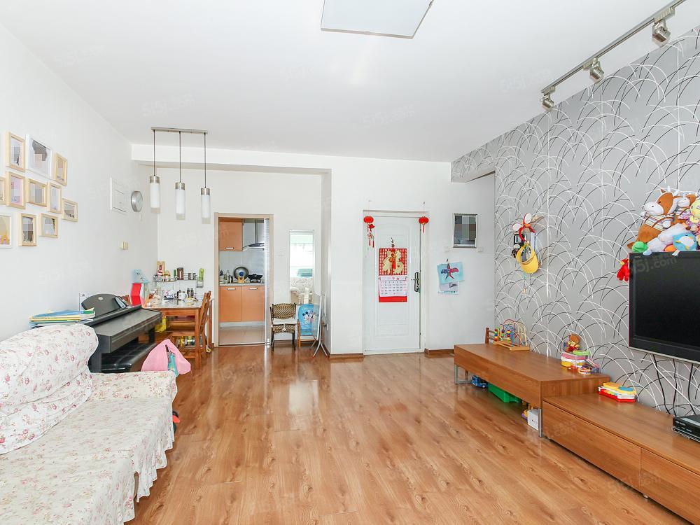 新龙城两居室落地窗 使用面积大满五年业主一套
