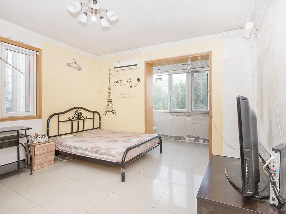 裕民路4号院 新上ZONG价两居室 满五年