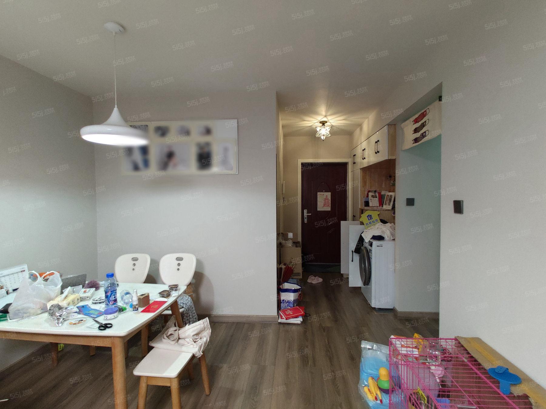 京汉铂寓 全南两居 格局方正,低楼层视野好.