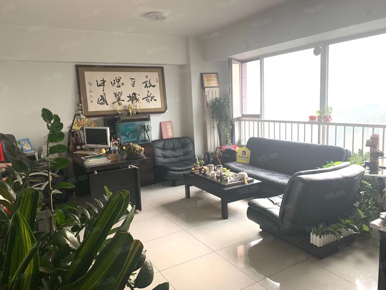 长城国际 新上房源 精装一居室 家电家具齐全 方便看房