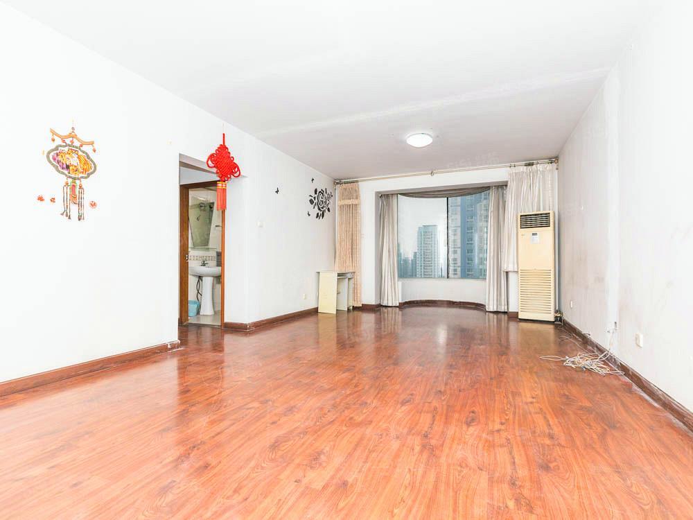 茉藜园,新上 方正大三居 中间楼层采光好 有钥匙 满五唯一