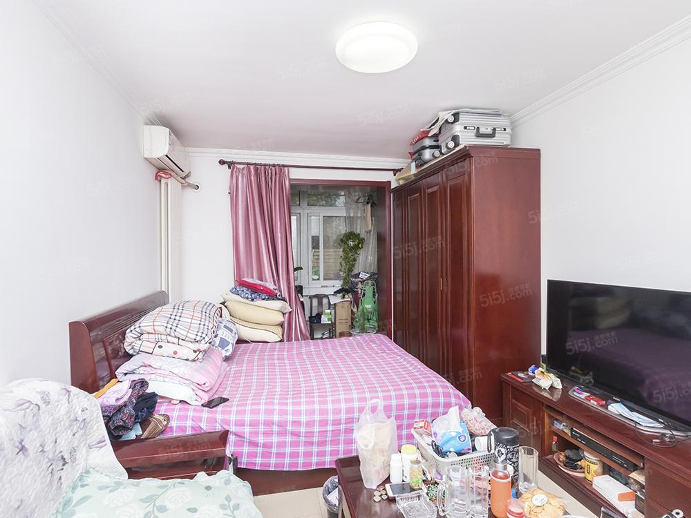 新上精装一居室 板楼户型方正 地铁口石榴园 预约看