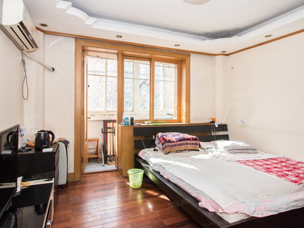 近地铁全南向一居室,中间层拎包入住,满五年一套税少