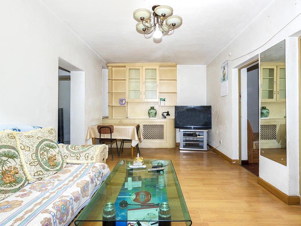 名流花园南北卧室 两室两厅中楼层,满五且一套