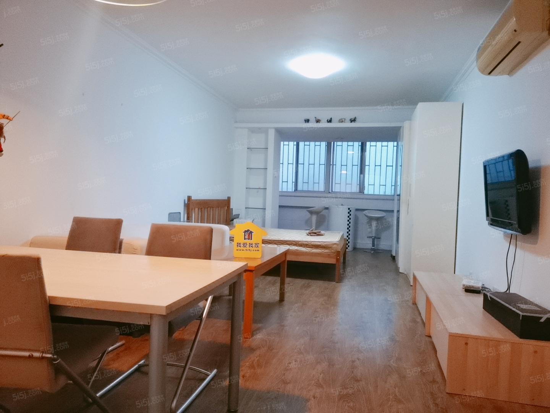 华严北里新上精装一居室可做两居随时入住