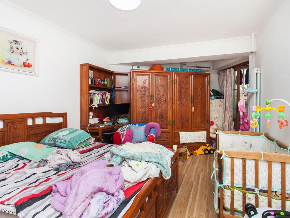 朝阳门,东二环,三丰里社区,一居室诚心出售,看房随时