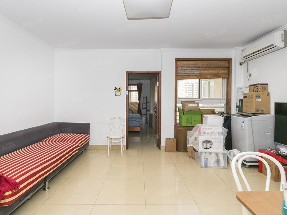 二环里西城区、白广路二条、带电梯大一居、业主诚心出售
