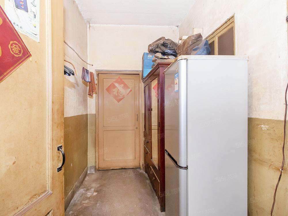 中关村科育小区双南大两居室,带东窗,层高3.3米二手房