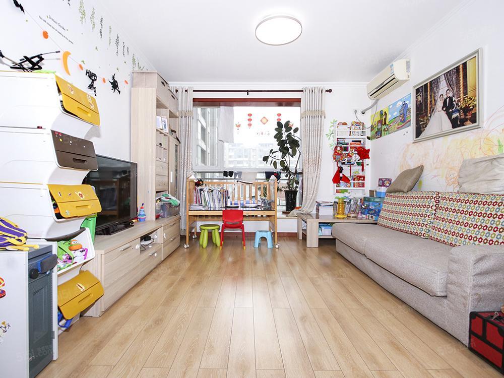 百子湾金泰先锋正规两居室满五年诚意出售看房方便