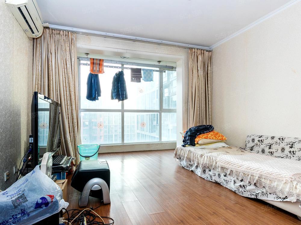 北纬40度一期 全南精装两居室 看房随时 诚意出售