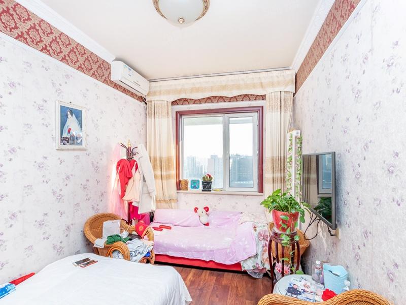 北京我爱我家商品房满五年一套,精装,近地铁大三居室第2张图