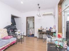 北京我爱我家西城一居室带电梯 带露台 房本满5年